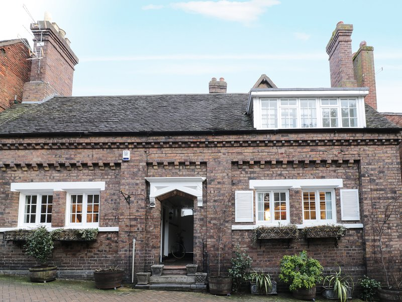 38 ST MARYS STREET, Grade II listed property, three bedrooms, WiFi, in, holiday rental in Upton Cressett