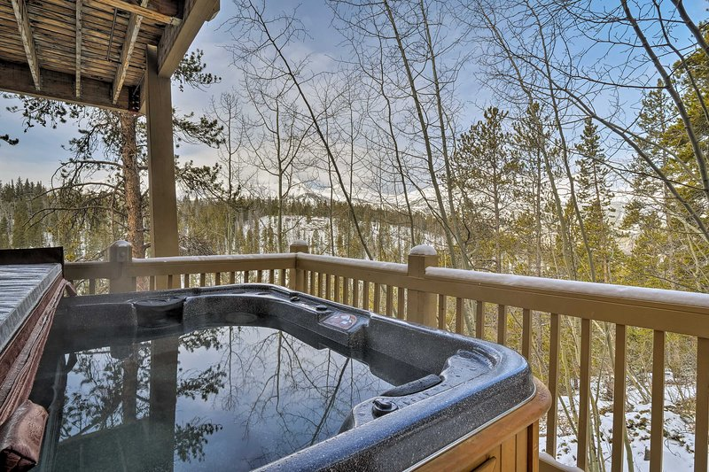 Take in jaw-dropping views of the Tenmile Range from your private hot tub.