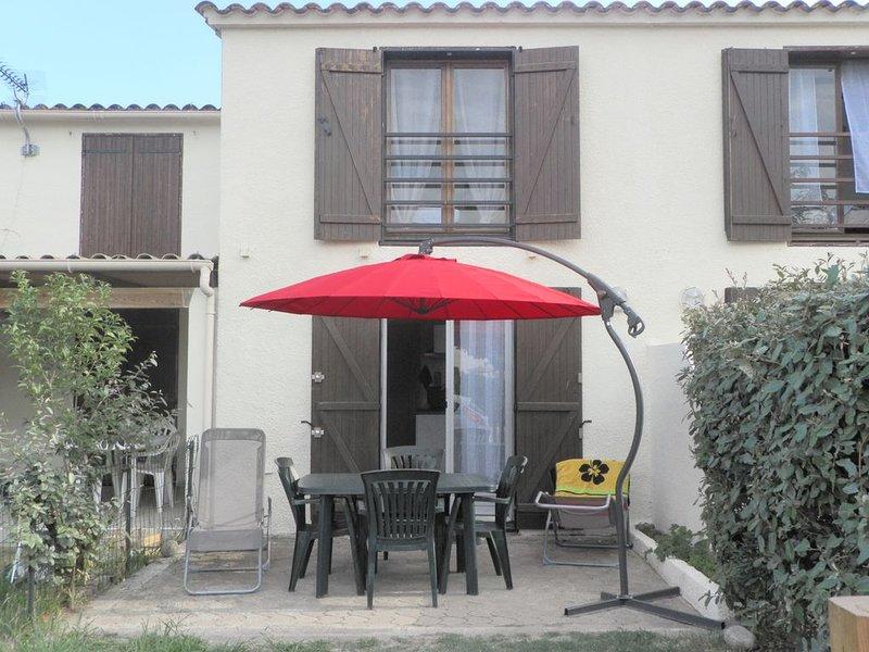 Nice house with sea view & garden, casa vacanza a Poggio-Mezzana