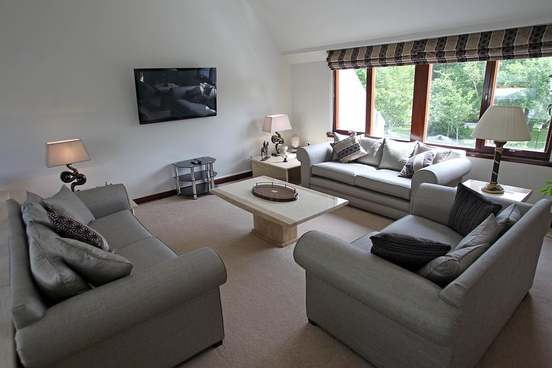 Luxury 5* Country Home beside Gleneagles, holiday rental in Dollar