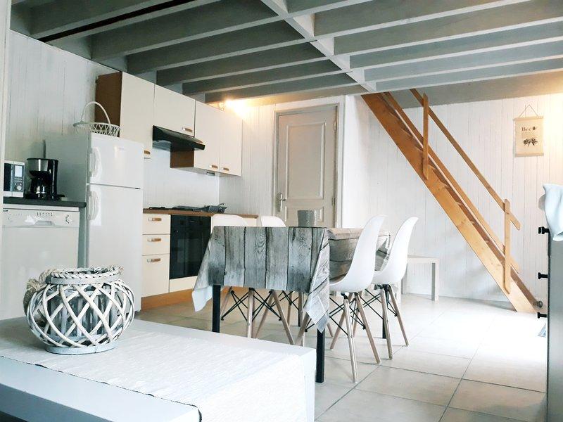 Amazing house with garden & terrace, Ferienwohnung in Gonneville-sur-Honfleur