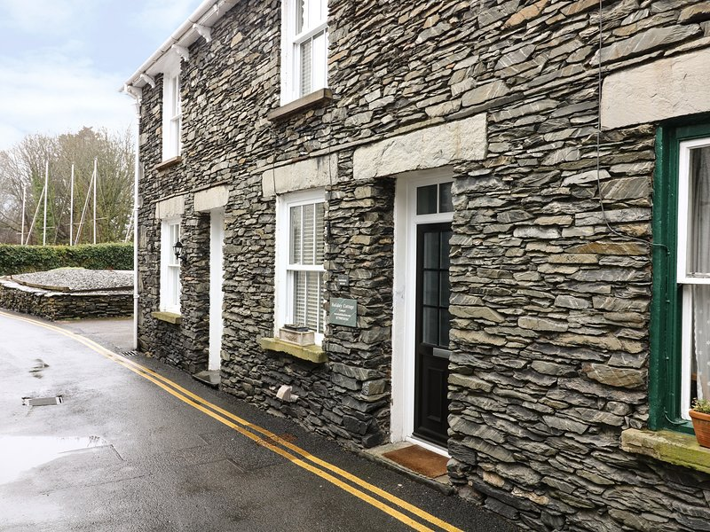 PARTRIDGE HOLME, cottage close to Lake Windermere, parking permit provided, holiday rental in Near Sawrey