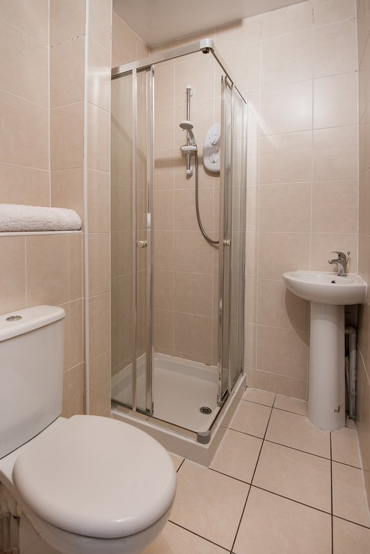 Unlimited hot water and a power shower ensures all the stresses of the city can be washed away