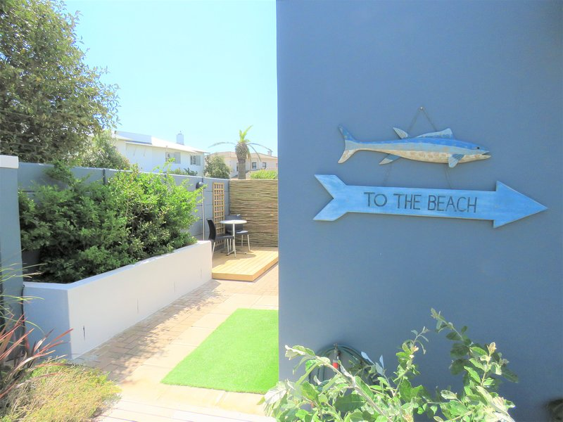 Direction to the beach
