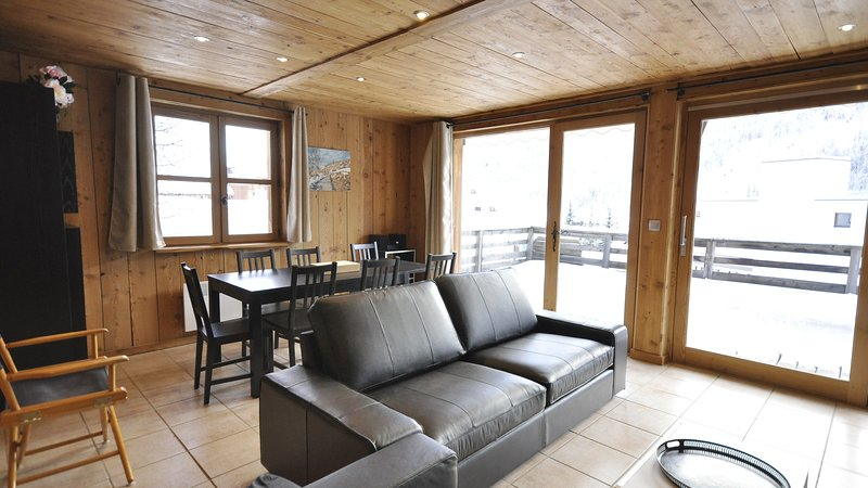 chalet 'clos buisson' duplex 'l'eglantier', holiday rental in Saint-Chaffrey