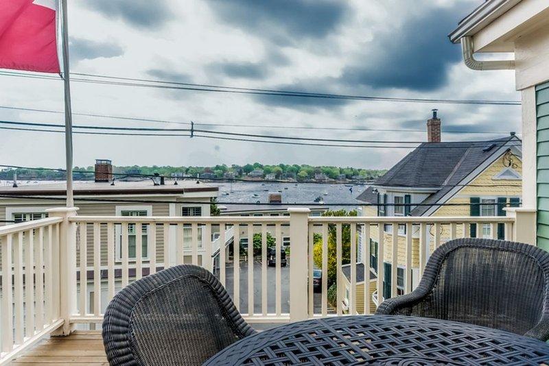Vista porto dalla piattaforma superiore del proprietario di abitazione.