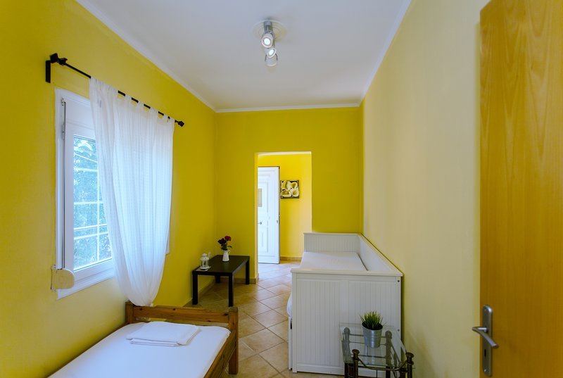 Azogyre Paleochora Traditional Houses n2, holiday rental in Sougia