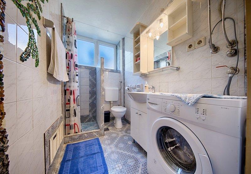 A1 (2 + 2): banheiro com vaso sanitário