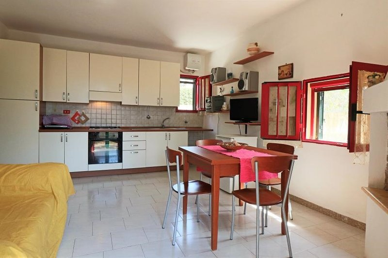 Cuccarini air-conditioned holiday home in Sant'Isidoro with outdoor areas and p, alquiler vacacional en Sant'Isidoro