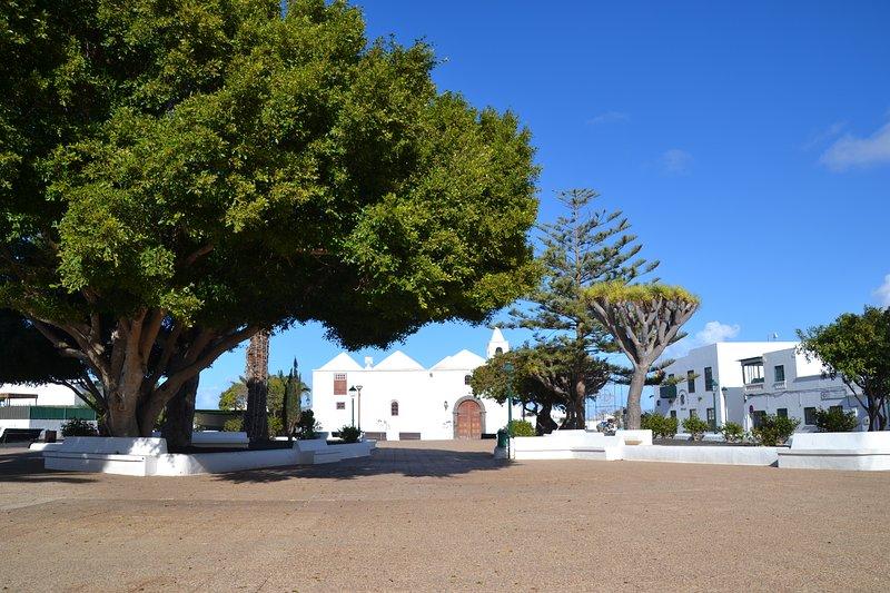 Plaza San Roque, no fundo da igreja com o mesmo nome. Localizado a dois minutos da casa