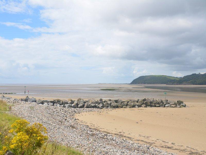 Stroll on the beach,enjoy a BBQ or go boating