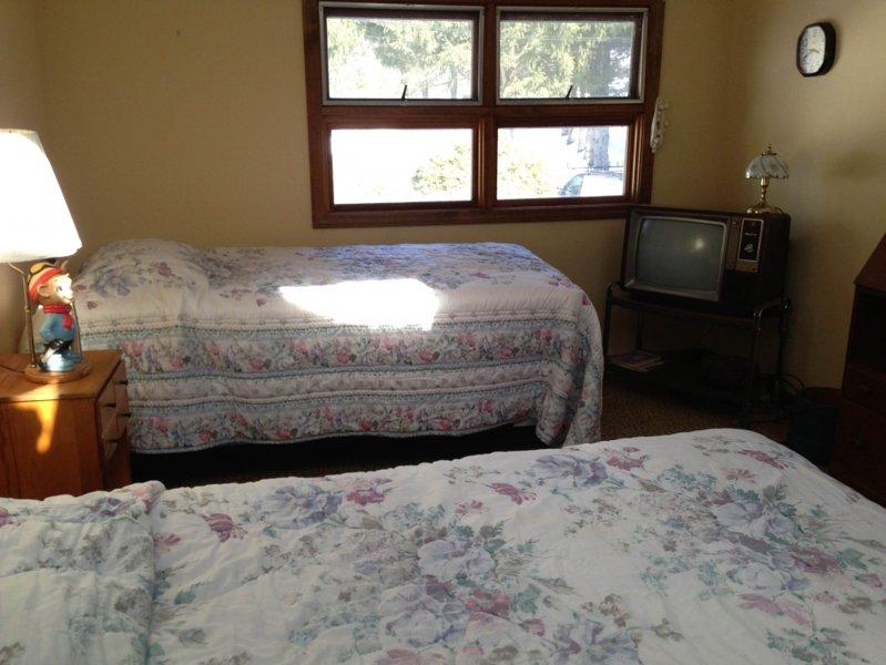 Schlafzimmer 3 - Zweibettzimmer - Upstairs