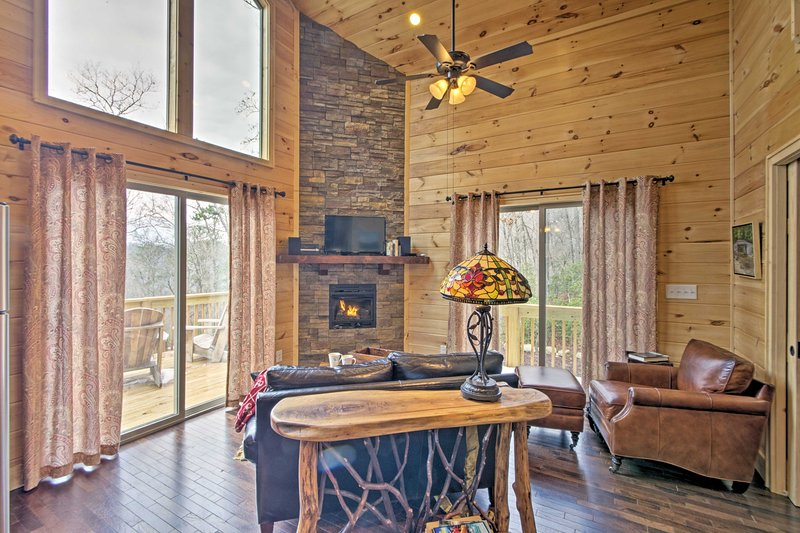 'Heart of the Mountain' serves as your quintessential Smoky Mountain cabin.