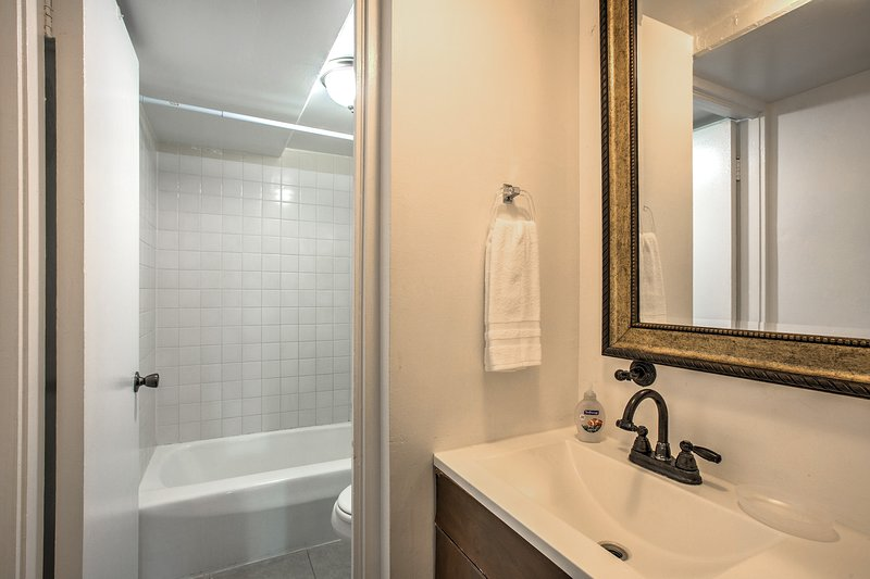 3 en-suite bathrooms offer privacy and space for all!