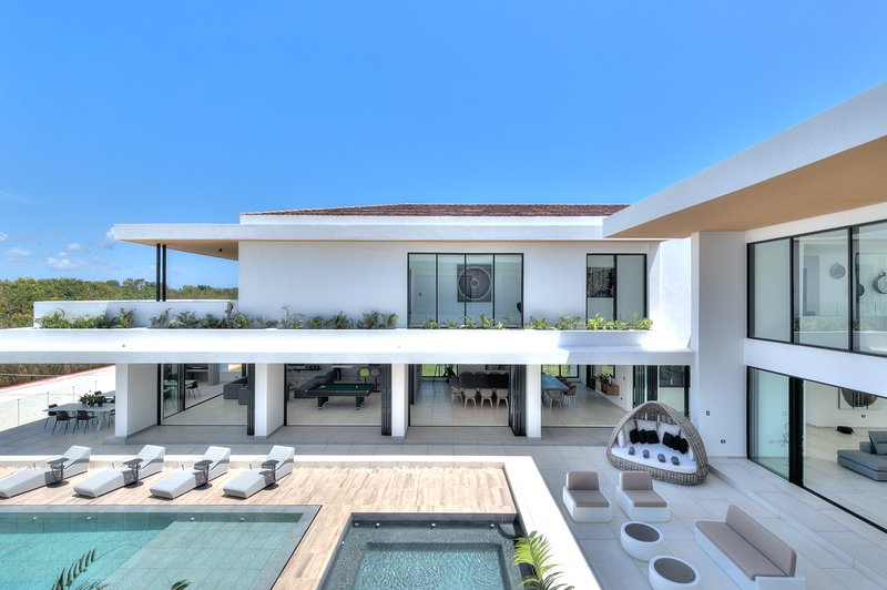 Gorgeous Villa with Private Pool, Gym, Bar and BBQ, holiday rental in Cap Cana