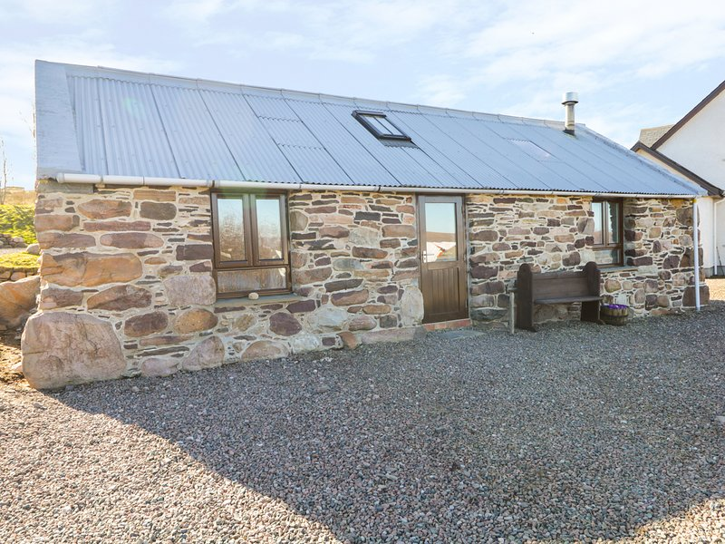 THE WEE BARN, views of Little Loch Broom, open-plan, woodburner, Ref 980477, holiday rental in Ross and Cromarty