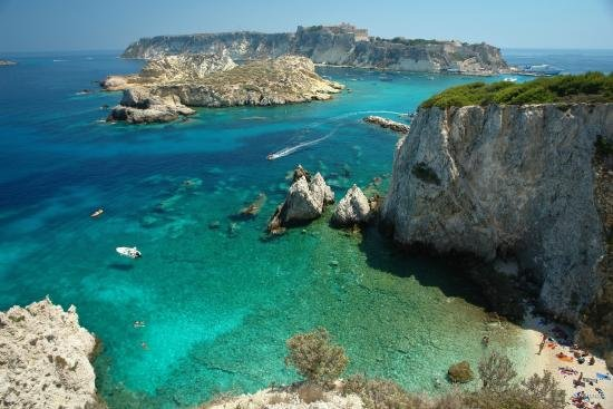 tremors Islands (Check out from May to September every day from the pier in Peschici)