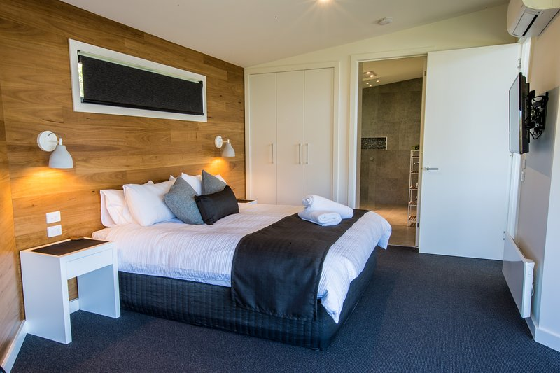 Master King Bedroom and Ensuite