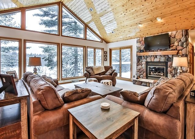 WhiteWoods Cove - Hiller Vacation Homes - Free WIFI, holiday rental in Star Lake