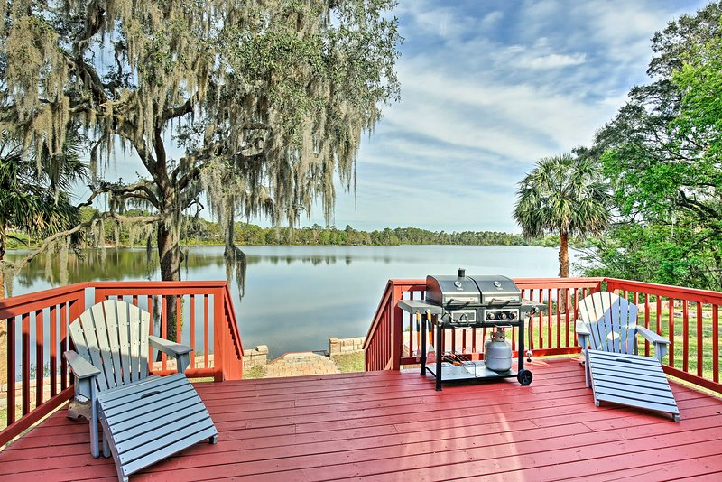 Lake fun awaits at this 3-bedroom, 2-bathroom vacation rental house!