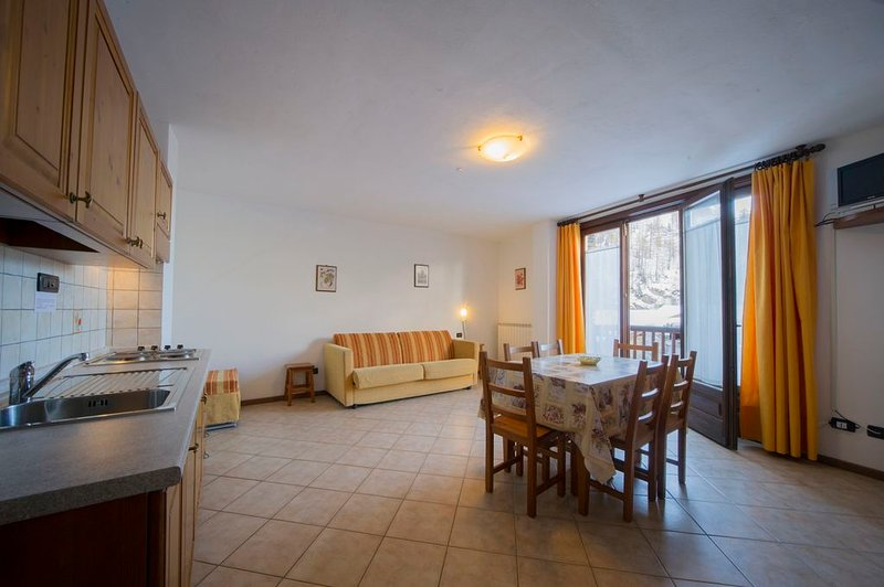 Bilocale 8 posti letto nel Residence Chalet della Guida, vacation rental in Bardonecchia