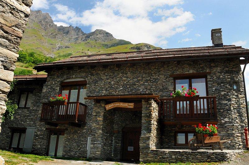 Bilocale 6 posti letto nel Residence Chalet della Guida, vacation rental in Bardonecchia