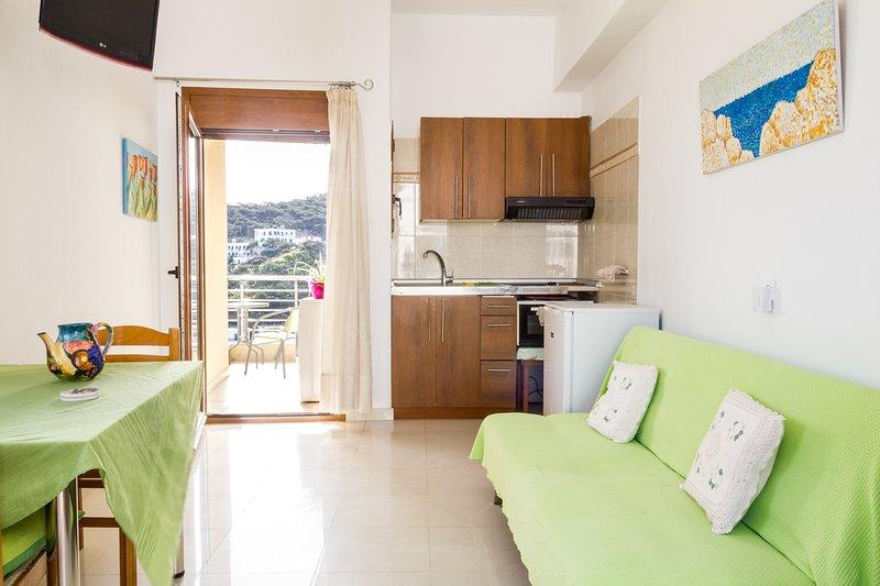 Sunrise View Apartment, vacation rental in Diafani