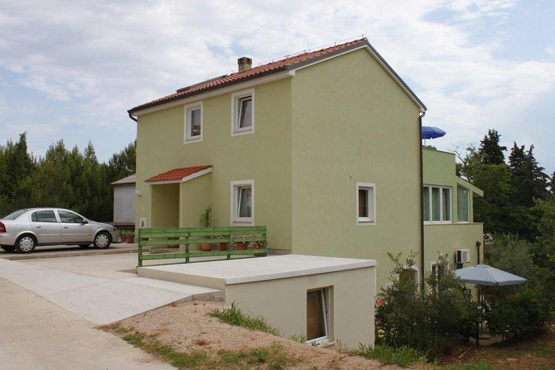Two bedroom apartment Nerezine, Lošinj (A-7961-b), vacation rental in Nerezine