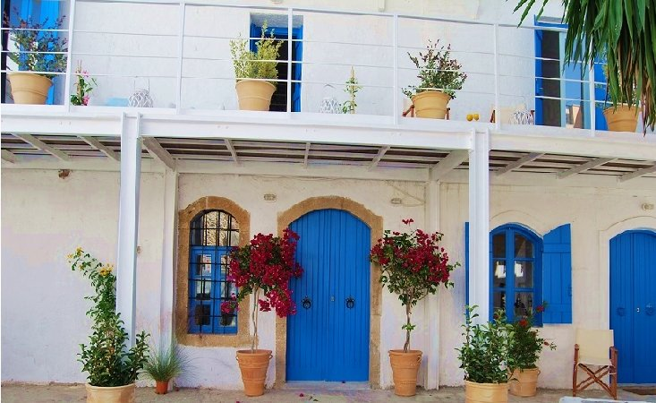 'The Old House 2' - Stunning Villa with private pool in Old Town, Ferienwohnung in Plati