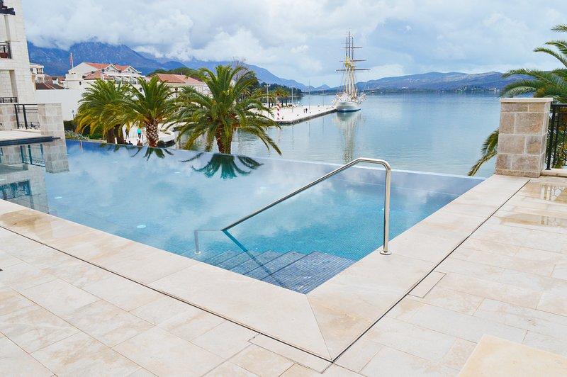 Luxury apartment Porto Montenegro – semesterbostad i Tivat