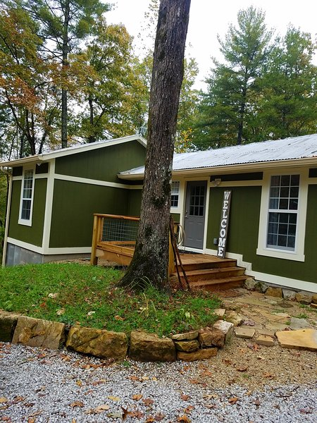 camp mountain lake retreats has internet access and air conditioning rh tripadvisor com