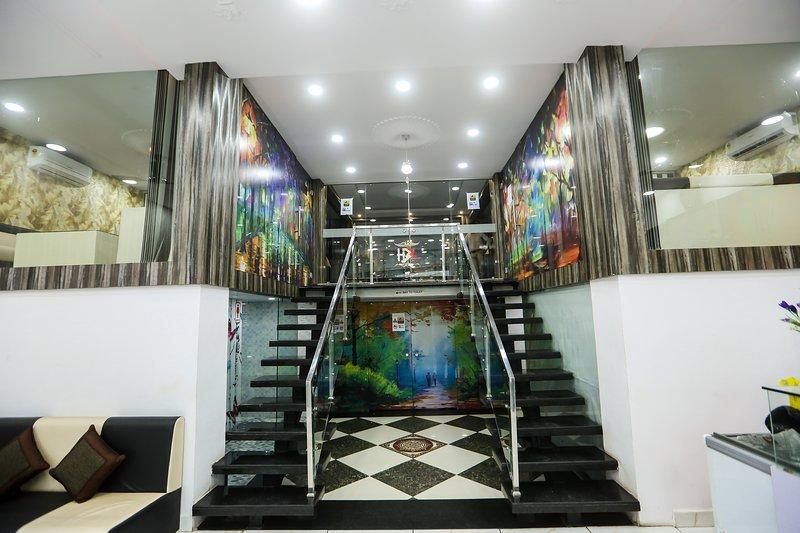 Restaurant Entry from Lobby