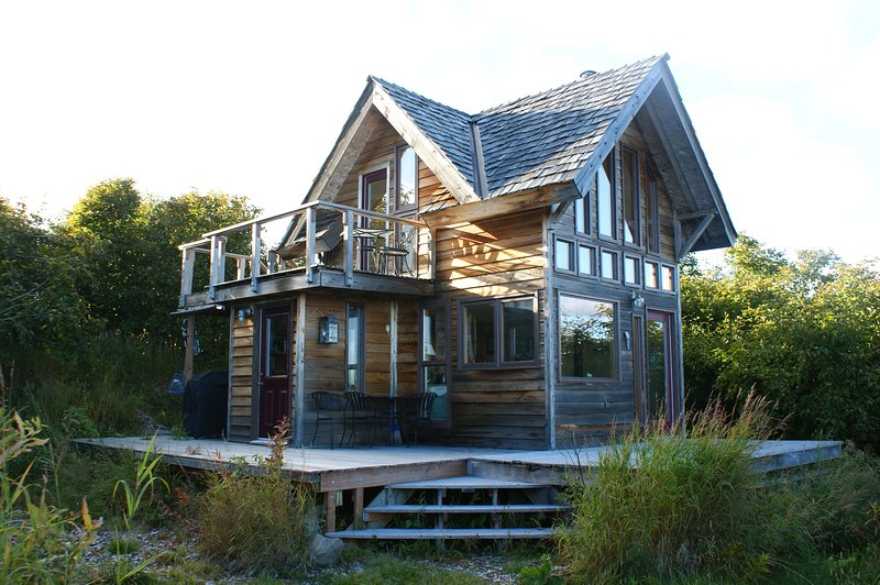 Breathtaking Lookout Mountain Dry Chalet, holiday rental in Fritz Creek