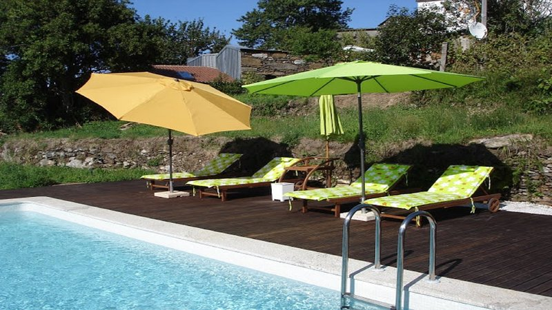 Bela casa con piscina privada, Internet, TV SAT, alquiler vacacional en Vilar de Mouros