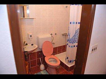 SA1 (4): badkamer met toilet