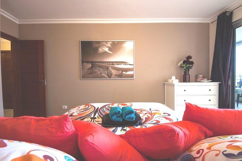LAST MINUTE  JULY 290 € WEEK  2 BEDROOM AMAZING SEA VIEWS 180 DEGREE WIFI, location de vacances à Palm-Mar