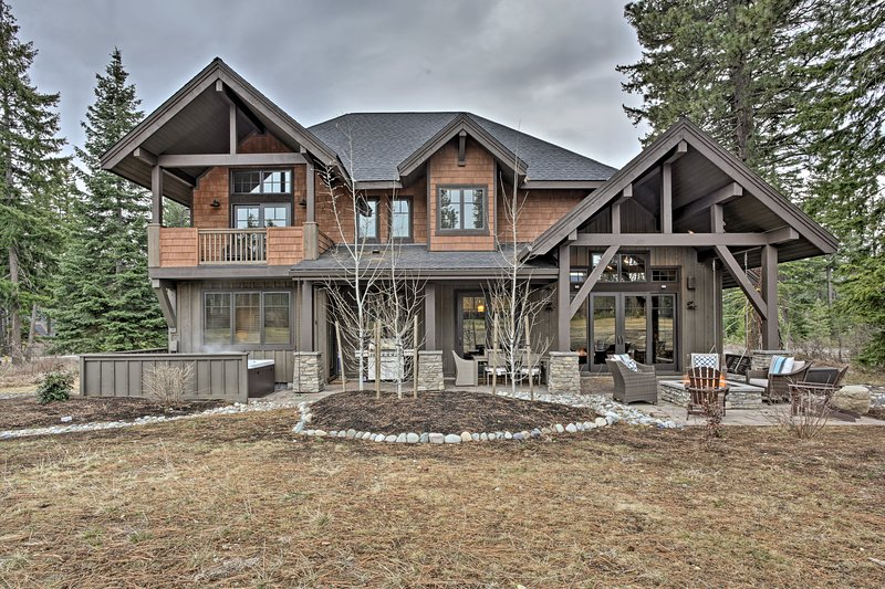 Questa casa 2.850 piedi quadrati può ospitare comodamente 12 con spazio per altri 2!