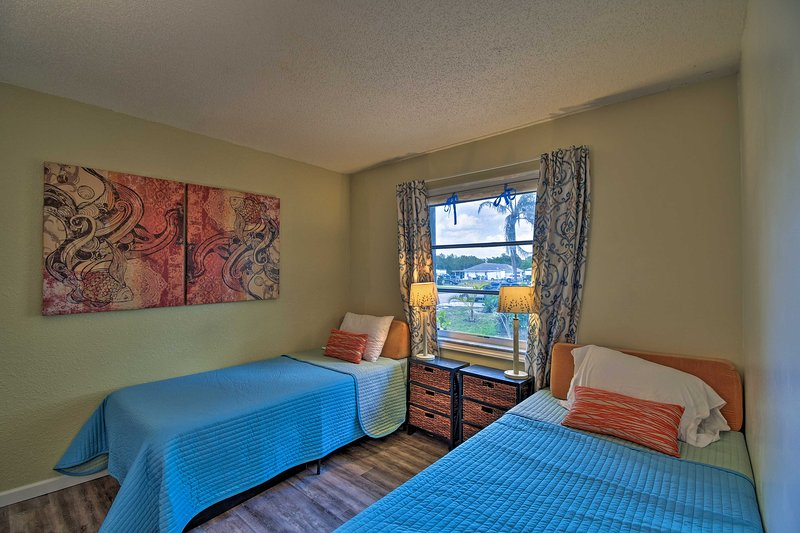 If you're traveling with kids, they'll love this room with 2 twin beds.