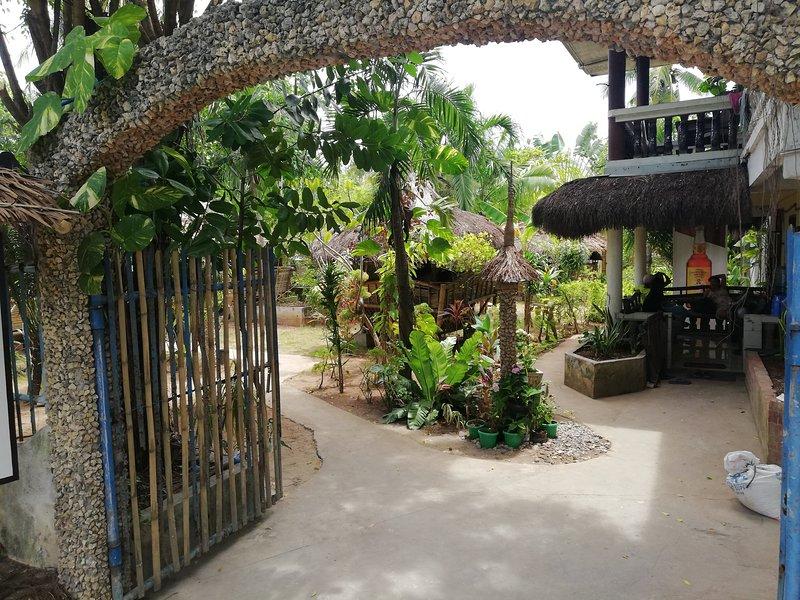 Stevrena Cottages, vacation rental in San Remigio