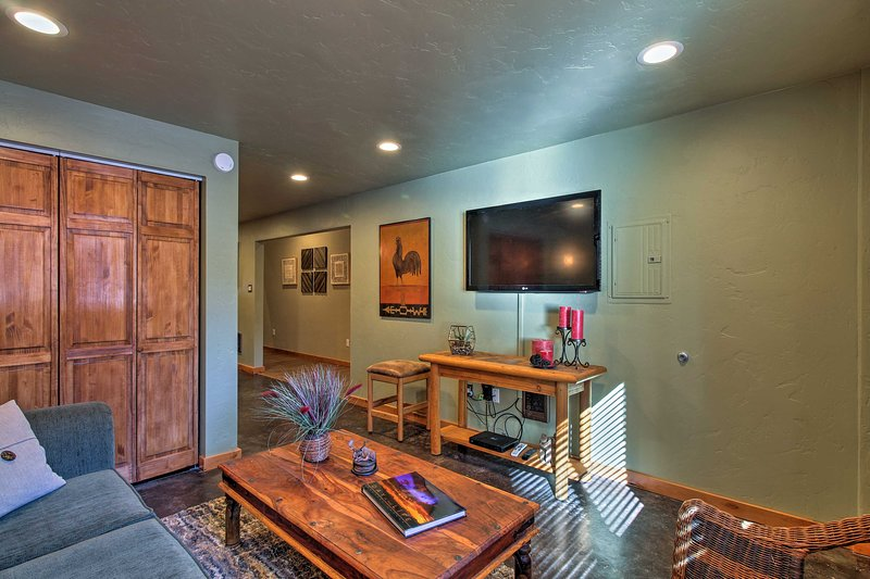 Situated outside of Sunriver, 4 guests will be surrounded by outdoor recreation.