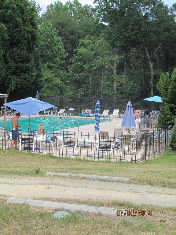 El pleno acceso a la piscina comunitaria