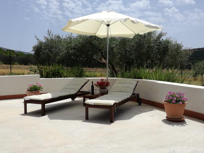 Villa Peppino - Soggiorno in Relax, Appartamento Completo, p. terr con Veranda, vakantiewoning in Montallegro
