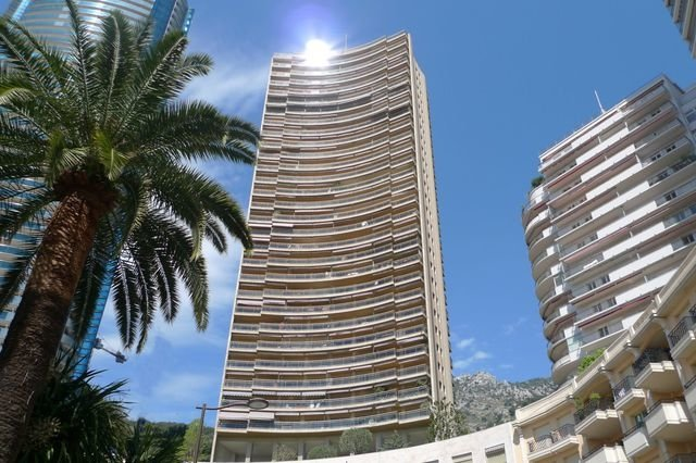 Luxury Studio with spectacular views nearby Plage Larvotto and Odeon Tower, holiday rental in Monaco