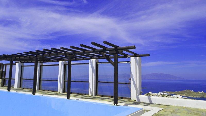Swimming pool, sea view