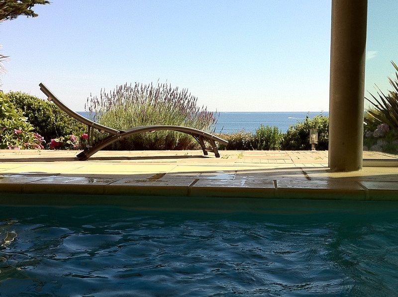 heated swimming pool facing the sea