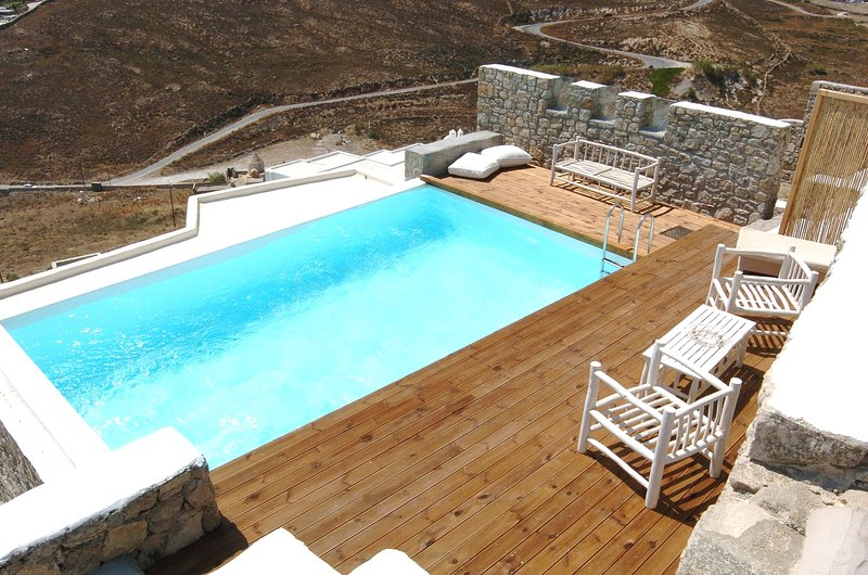 Luxurious House in Elia, Mykonos, holiday rental in Elia