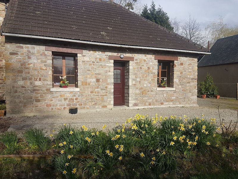 Gite La Landelle - Dog Friendly Rural Gite, vacation rental in Pretot-Sainte-Suzanne
