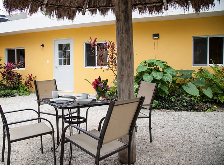 Aldea Bek, PLAYA: beautiful gardens, 1 street off the ocean, holiday rental in Puerto Morelos