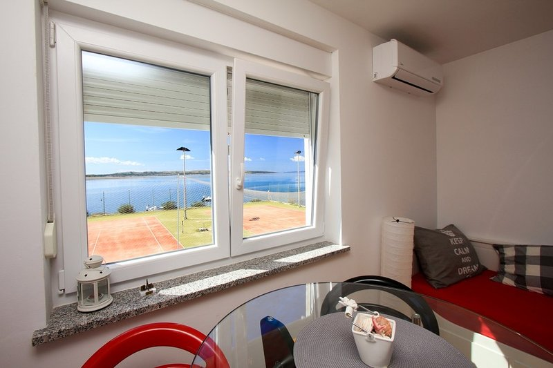 Apartment AS-RED, vacation rental in Povljana