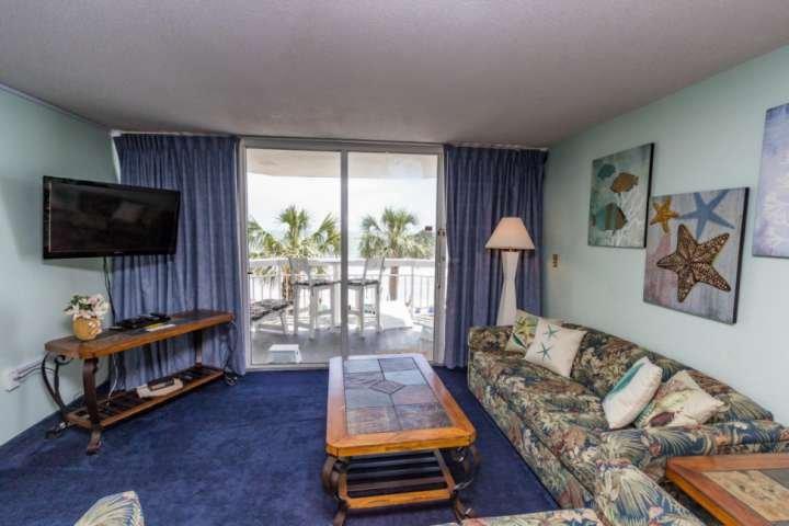 Ein größerer Wohnbereich als die meisten direkt am Meer mit einer Schlafzimmer Einheiten.